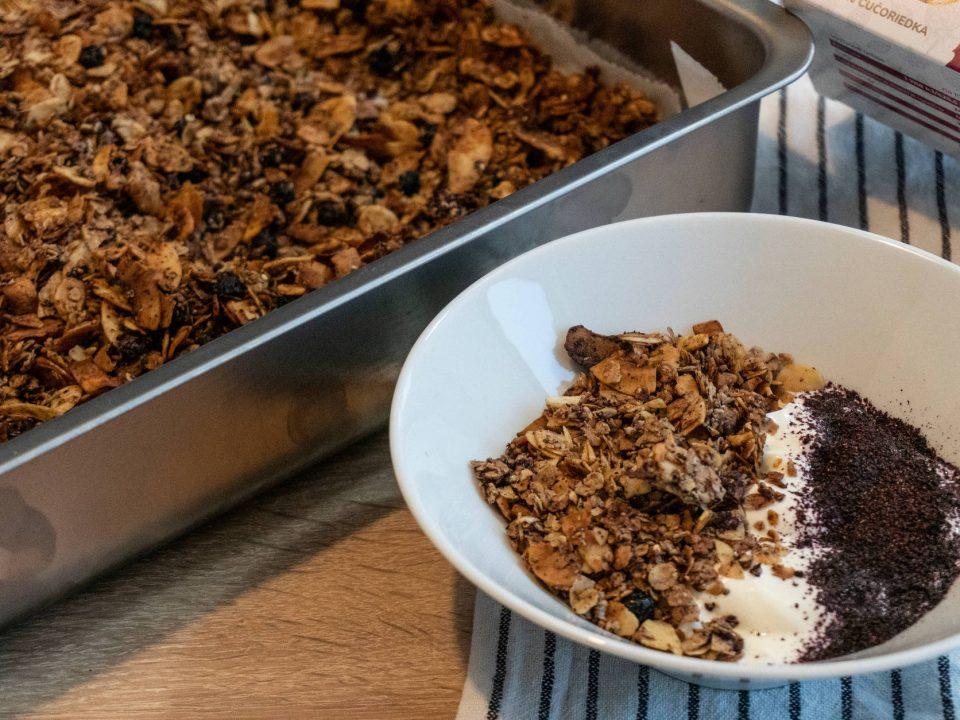 Domáca granola ez cukru s ovocnými vločkami recept