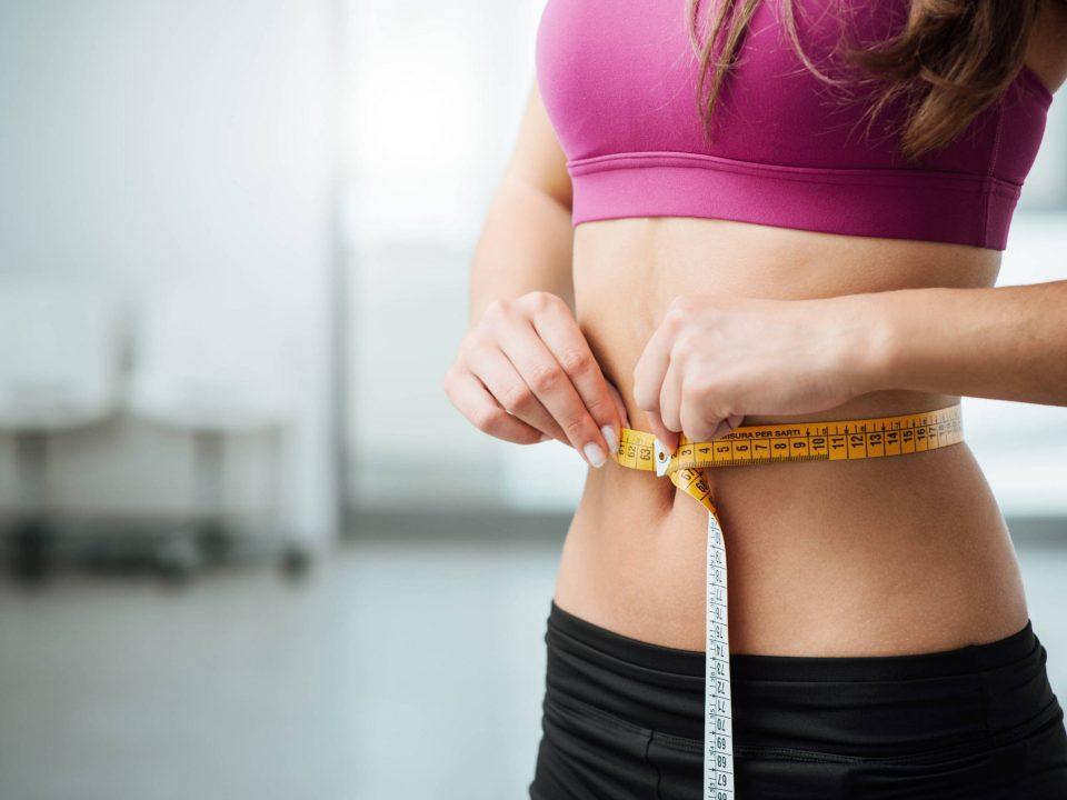 Spoznajte účinky superpotraviny arónie na trávenie a prirodzené chudnutie